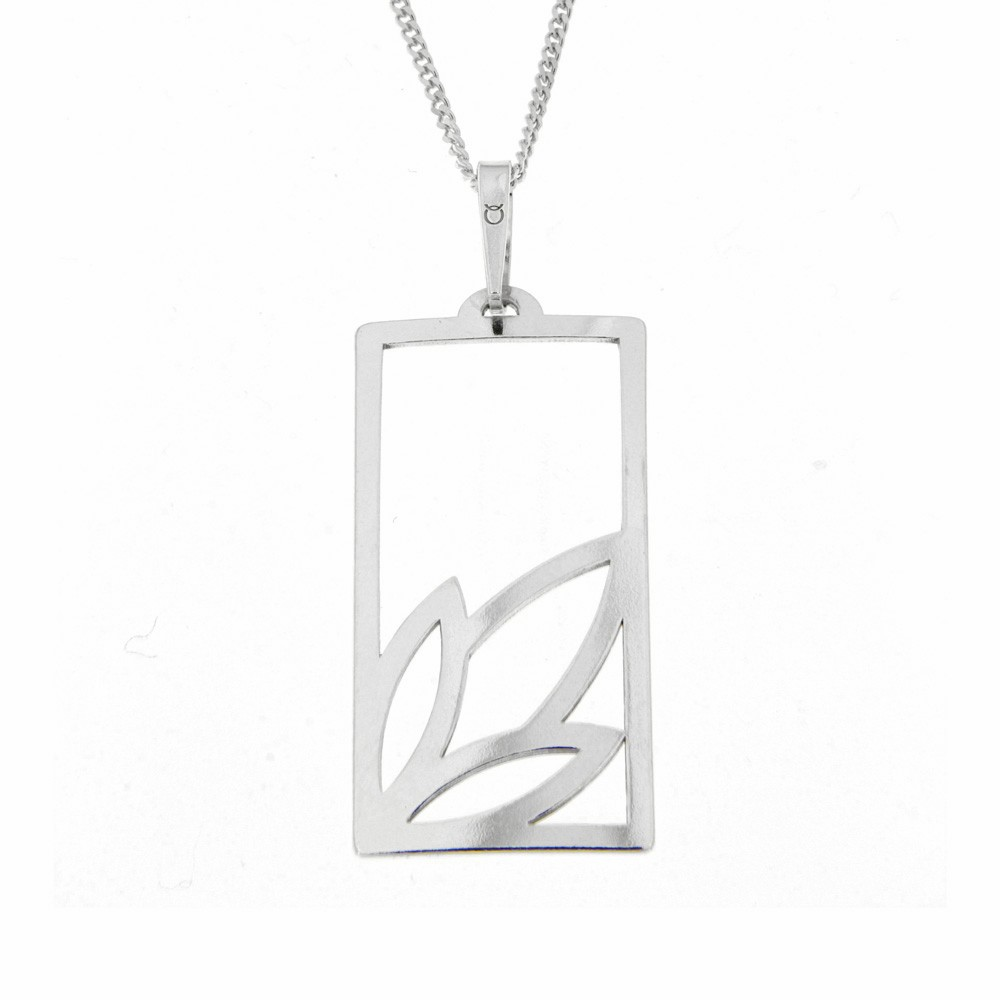 Silver Pendant with Chain Oliveta